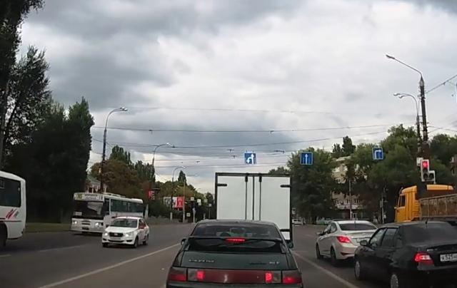 """Ранний старт"" на светофоре"