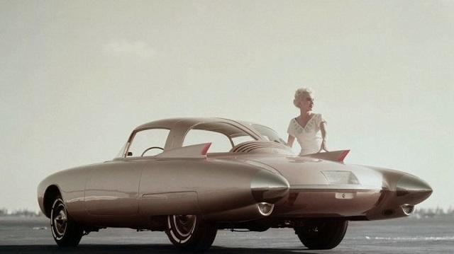 """Золотая ракета"" - впечатляющий концепт-кар из стеклопластика (14 фото)"