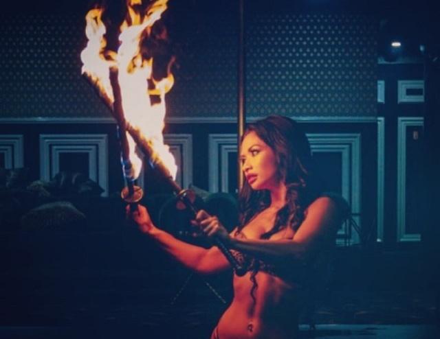 "Харли ван Денджерфилд - по-настоящему ""горячая"" стриптезерша (14 фото + видео)"