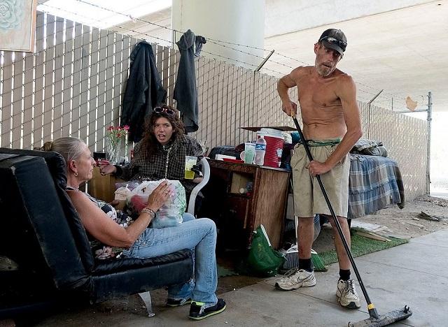 Нашествие бездомных в Сакраменто (26 фото)