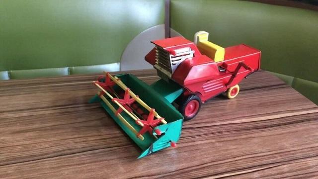 Советские игрушки для будущих работников страны (26 фото)