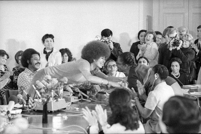 Лица людей глазами знаменитого советского фотографа Александра Стешанова (25 фото)