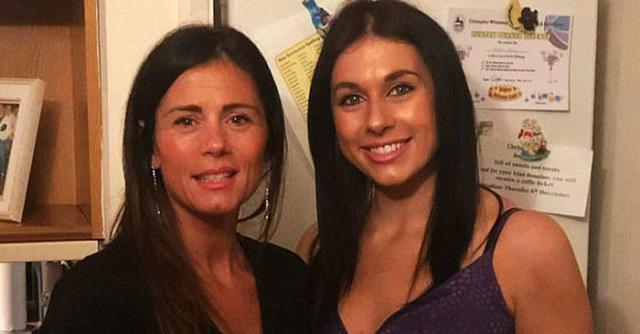 44-летнюю маму и ее 24-летнюю дочь часто принимают за сестер (11 фото)