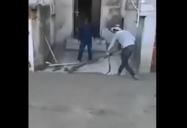 Бетонирование двора по-абхазски