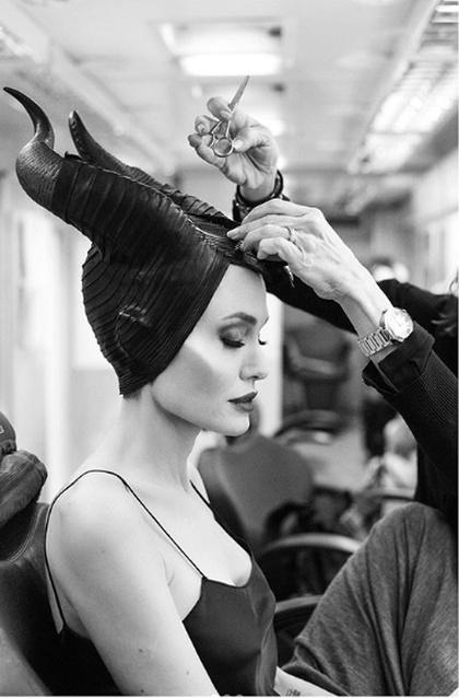 Компания Disney показала, как из Джоли делают Малефисенту (фото + видео)