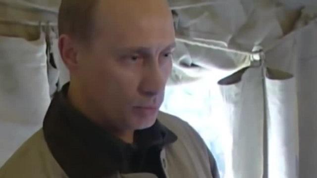 Путин выпил рюмку водки в Дагестане, выполнив обещание 20-летней давности (2 видео)