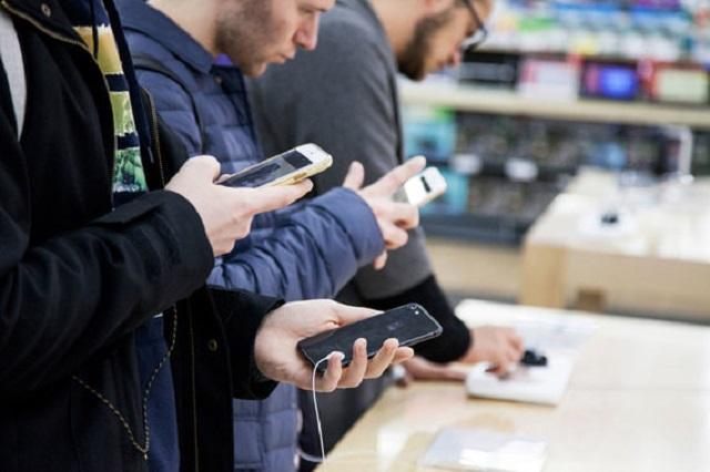 """""""Роскачество"""" составило список самых популярных смартфонов у россиян"""