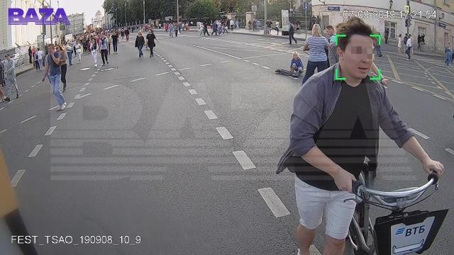 Большой брат следит: уличная камера распознала лицо москвича, который год был в розыске (2 фото)