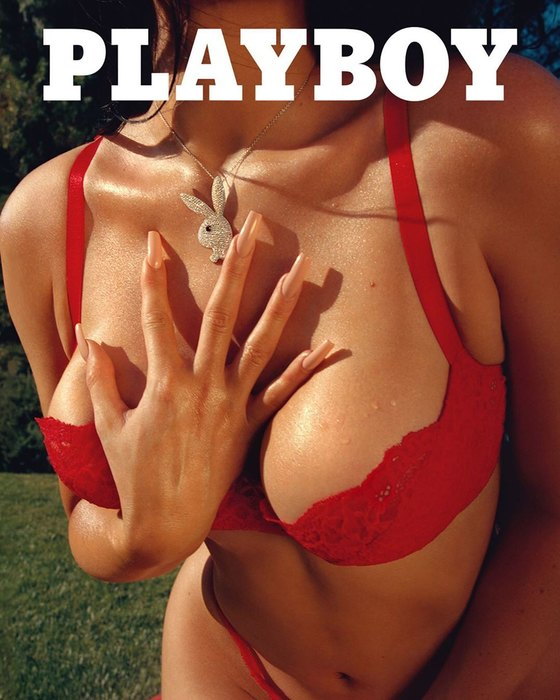 Кайли Дженнер в своей первой фотосессии для журнала Playboy (7 фото)
