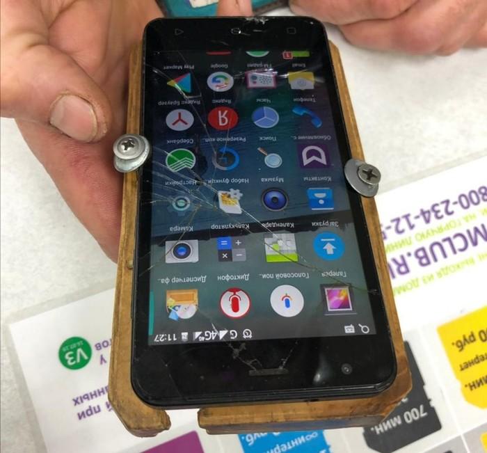 """Да что вы знаете о """"правильных"""" чехлах для телефона? (2 фото)"""