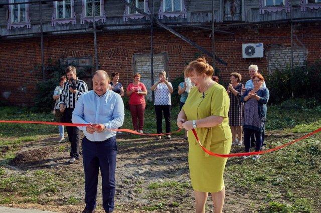 В Тверской области была торжественно открыта мусорная площадка (2 фото)