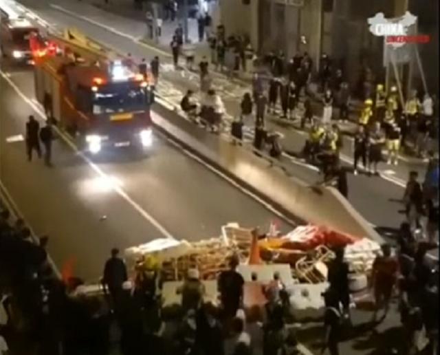Впечатляющая гражданская сознательность и организованность протестующих гонконгцев
