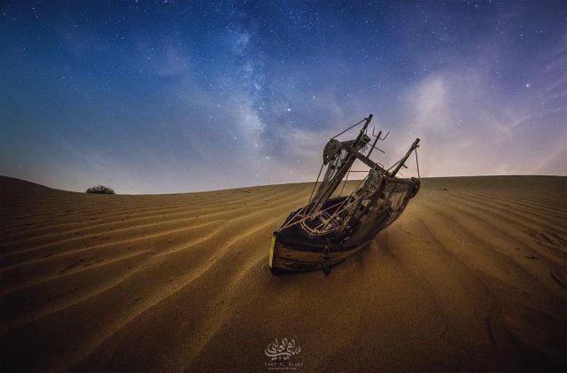 """Реалистичные и """"космические"""" мини-фотографии от египетского фотографа (16 фото)"""
