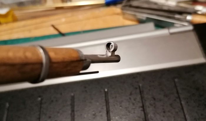 Мужчина сделал легендарную винтовку Мосина в миниатюре. Она стреляет! (18 фото + видео)
