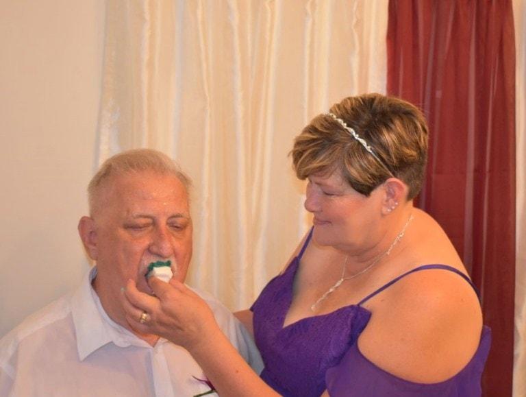 Женщина заказала красивый свадебный торт, а получила кошмар (6 фото)