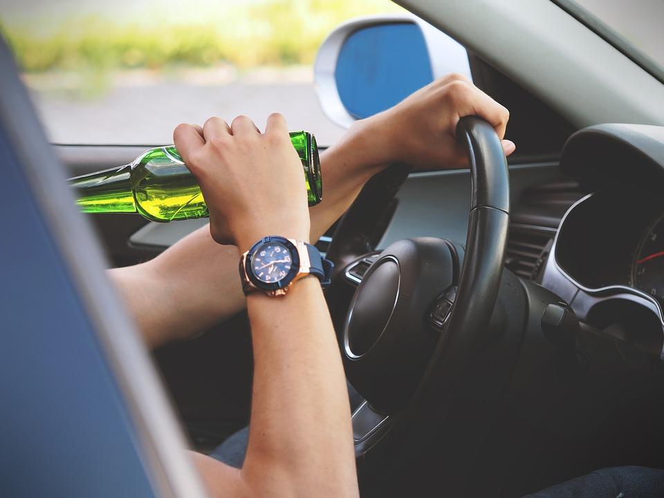 Российских водителей хотят проверять на хронический алкоголизм