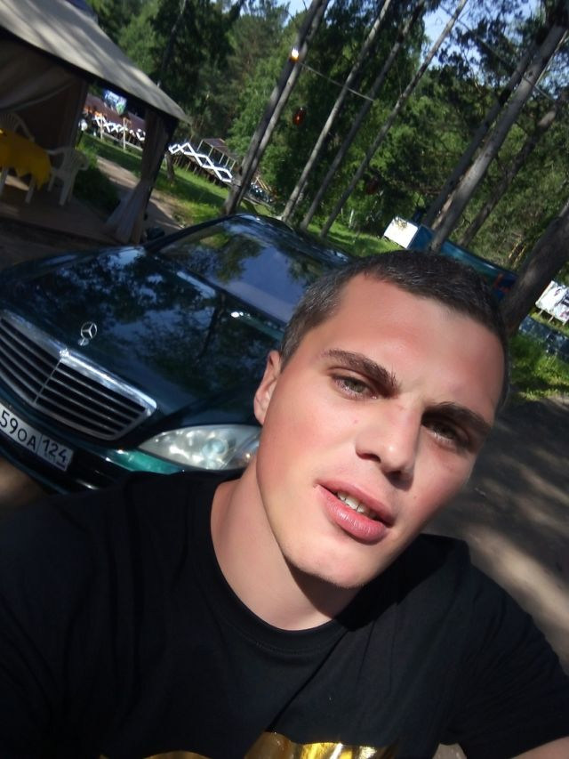 Сын чиновника с другом до смерти избили человека и сняли это на видео: красноярцы готовятся протестовать (10 фото + 2 видео)