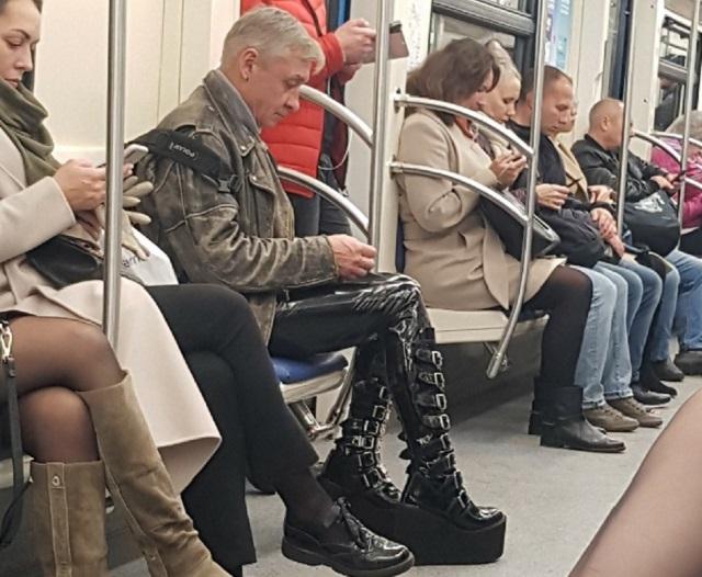 Модные персонажи из метрополитена (30 фото)
