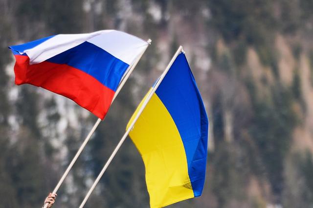 """Социологи """"Левада-центра"""" зафиксировали рекордное улучшение отношения россиян к Украине"""