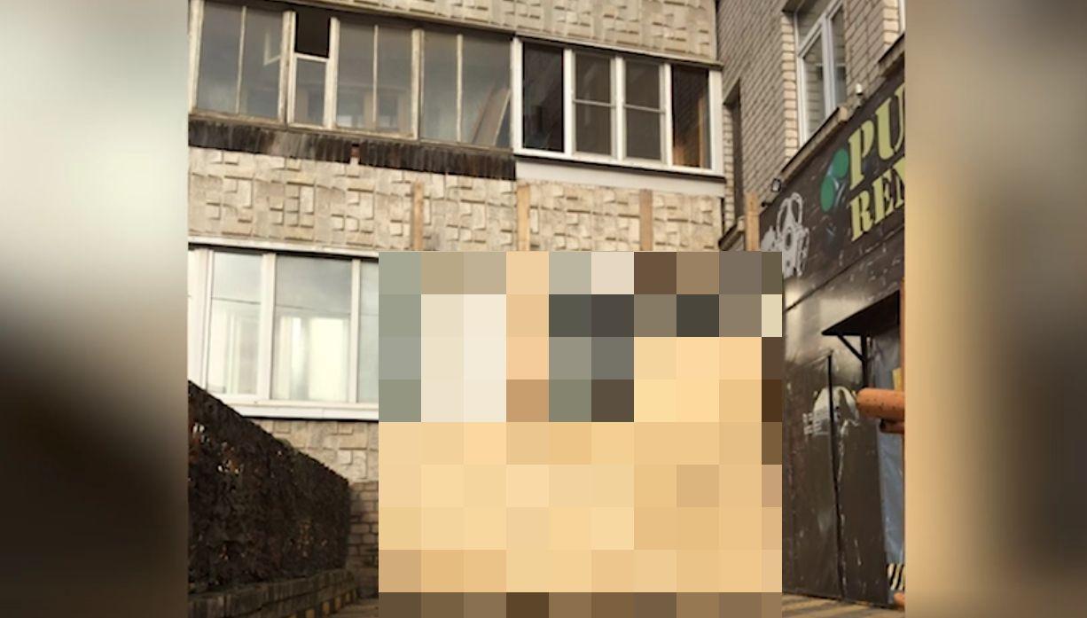 Пивнухи против людей: вологодский владелец бара заколотил окна жителям