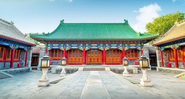 Что будет, если осовременить древние постройки? (12 фото)
