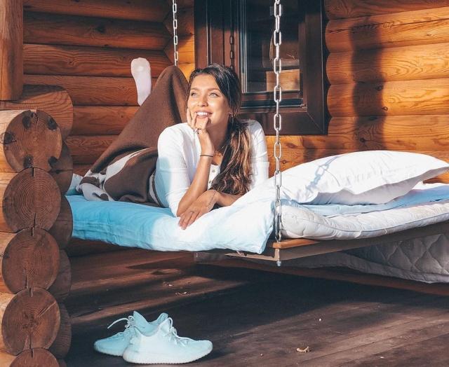 Ведущая шоу «Орел и решка» Регина Тодоренко рассказала, сколько денег на траты ей нужно в месяц (7 фото)