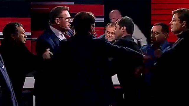Во время ток-шоу Владимира Соловьева подрались украинские политологи