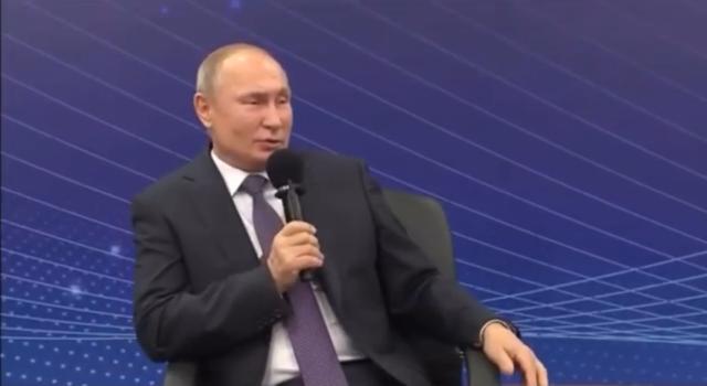 Путин ответил анекдотом на просьбу медиков изменить систему закупок