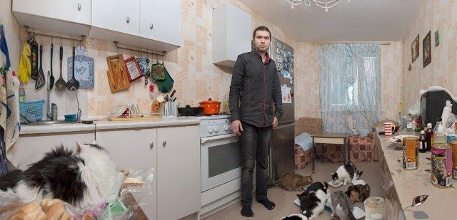 Фотопроект Натальи Ершовой: как живут современные затворники (11 фото)