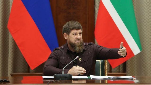 """""""Весь мир сгорит синим пламенем"""": Рамзан Кадыров призвал наказывать за оскорбление чести в Сети"""