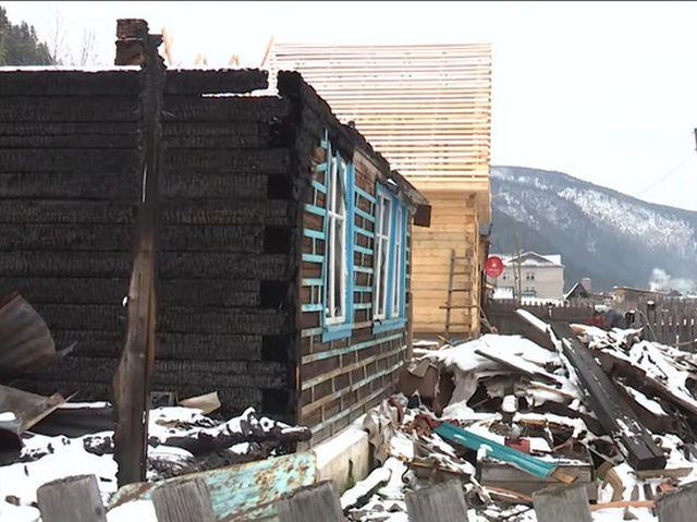 В Хакасии начальник пожарной части поджигал дома, чтобы проверить своих сотрудников (3 фото + видео)
