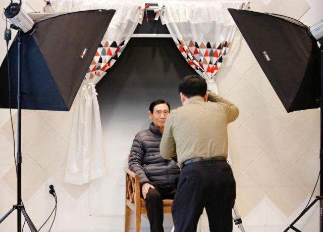 Странный тренинг из Южной Кореи, который призывает людей ценить жизнь (6 фото)