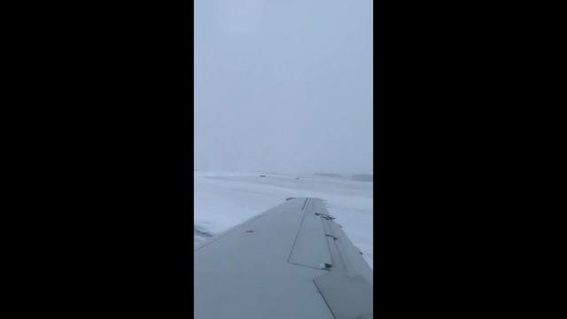 Оказывается, что дрифтовать можно даже на самолете