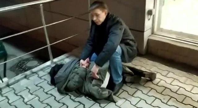 """Бравый охранник из """"Перекрестка"""" остановил преступницу"""