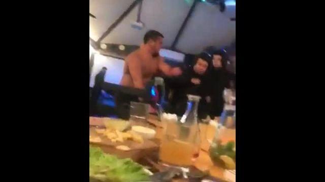 В Туле громила устроил дебош в кафе, но росгвардейцы не спешили его успокаивать