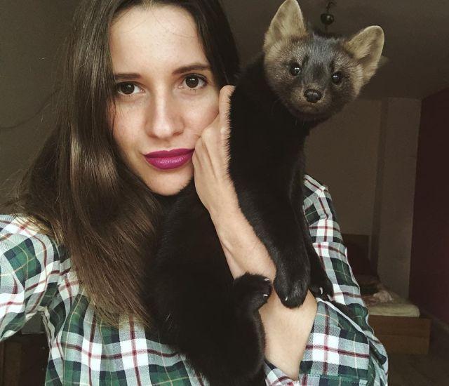 Умора - соболь, который стал питомцем девушки из России (16 фото)