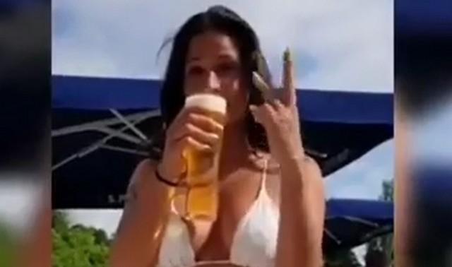 Мы бы побоялись идти с этой девушкой в бар
