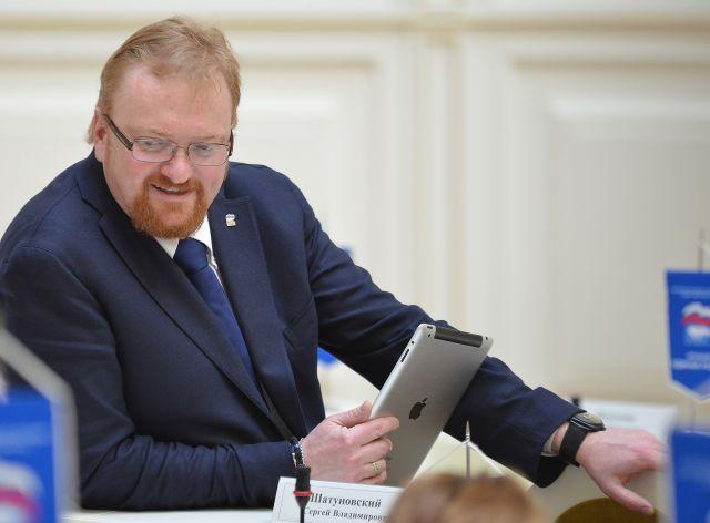 Виталий Милонов бросил вызов смартфонам
