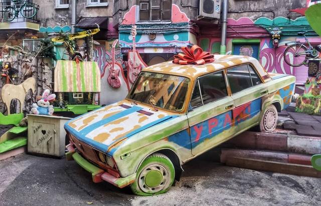 В Петербурге разрушают «самый удивительный и позитивный двор» (4 фото + видео)