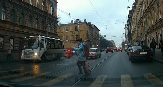 Суровая «яжемать» в Санкт-Петербурге