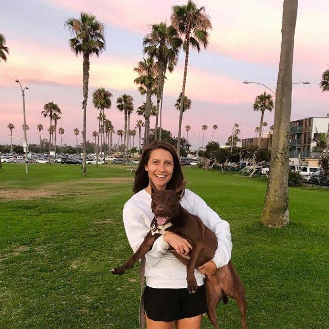 Стелла: собака, которая научилась общаться с людьми с помощью слов (3 фото + видео)