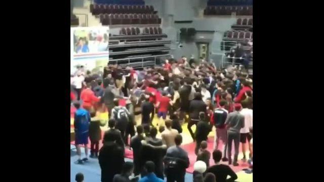 В Ингушетии на соревнованиях по самбо произошла массовая драка