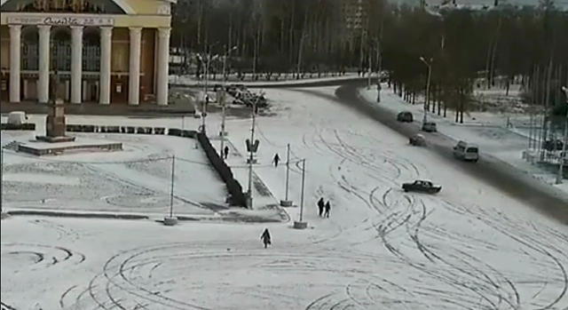 В Петрозаводске женщину сбил дрифтер, и она получила штраф