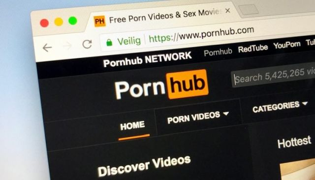 Время подводить итоги: Pornhub поделился статистикой за 2019 год (11 фото)