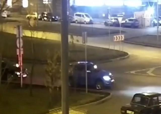 Странная кража в центре Москвы попала на видео