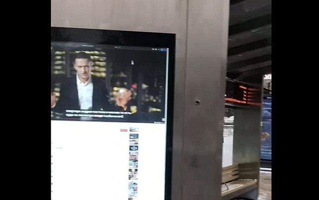 """В Нижнем Новгороде на """"умной"""" остановке показали расследование Навального"""