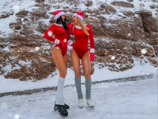 Девушки из Уфы снялись в рождественских бикини у памятника Салавату Юлаеву (12 фото)