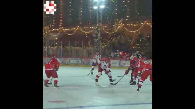 Команда Владимира Путина победила в предновогоднем матче Ночной хоккейной лиги