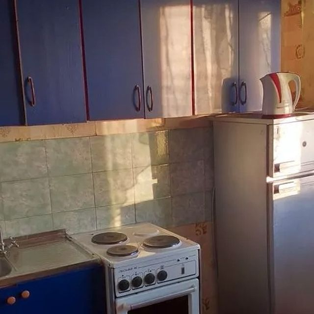 Найдена самая дешевая квартира в России (4 фото)
