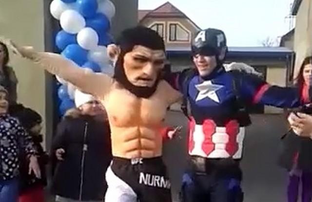 Капитан Америка и Хабиб Нурмагомедов танцуют вместе